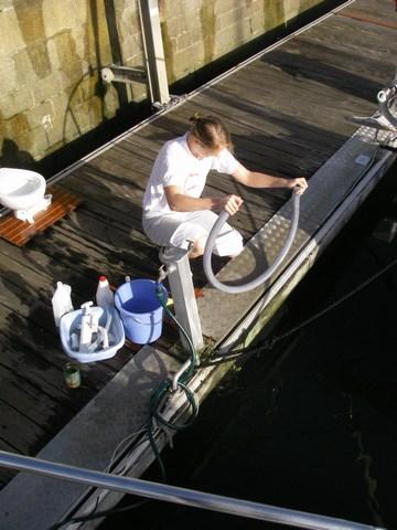 Clairette et l'eau de javel en pleine action