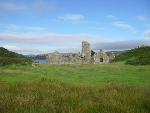 mini-07-Mainistir Abbey sur Sherkin Island.JPG